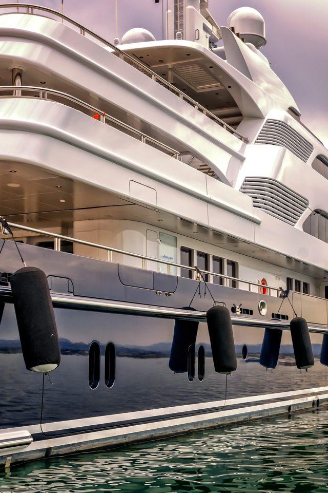 Best Yacht Charter Company